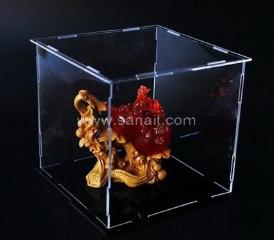 Flat packed clear plastic box