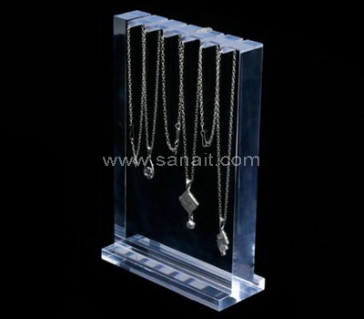 Necklace display rack