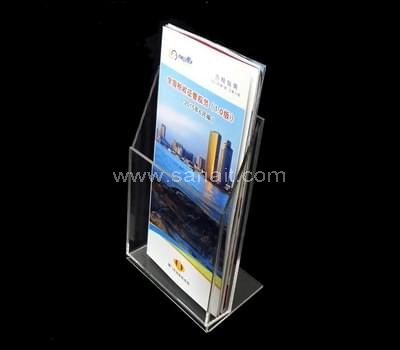 Single pocket acrylic brochure holder