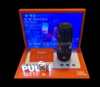 Custom speaker display