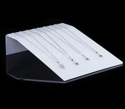 Necklace holder display