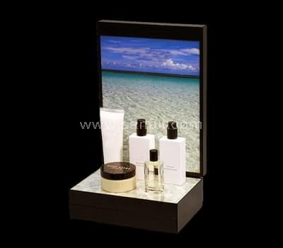 Cosmetic display supplier